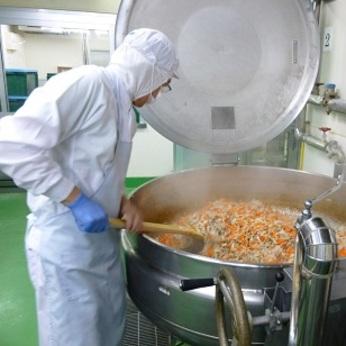 【絶賛募集中】学校給食調理業務をお任せします。土日祝休み主婦の方が働きやすい環境です!